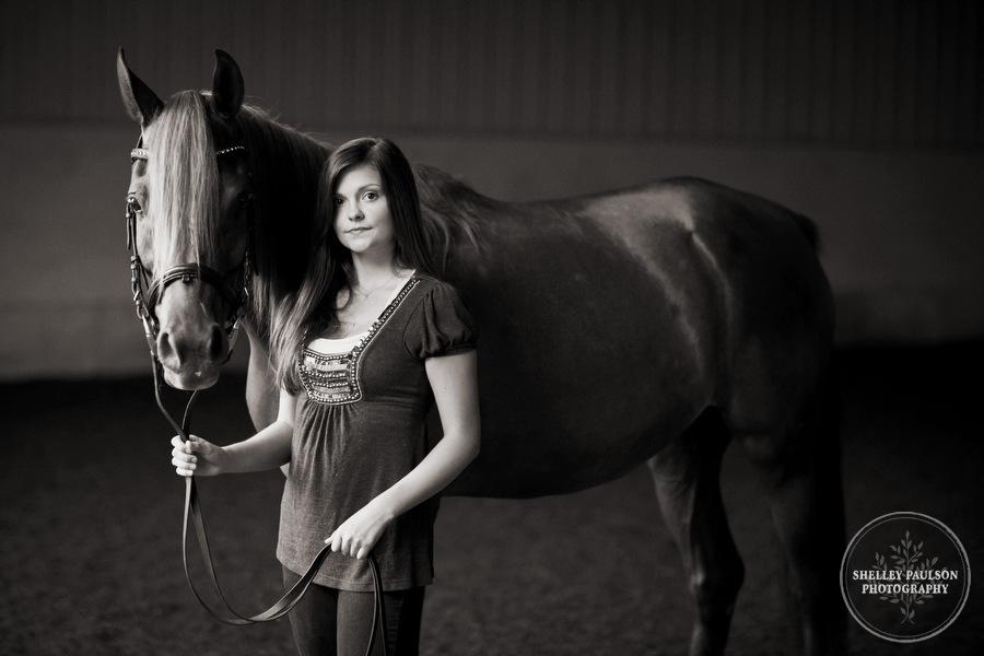 mn_senior_portraits_horse_03.JPG