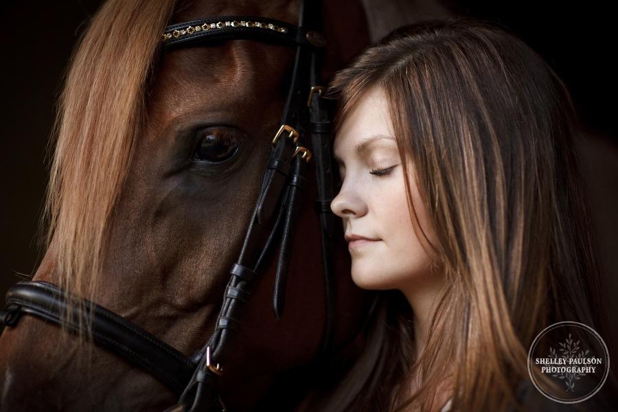 mn_senior_portraits_horse_04.JPG