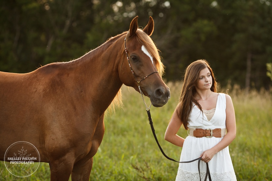 mn_senior_portraits_horse_11.JPG