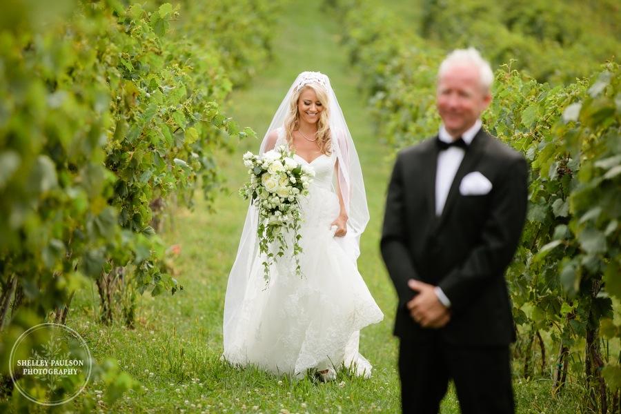 cottage-winery-wisconsin-wedding-08.JPG