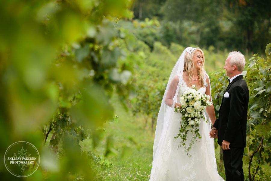 cottage-winery-wisconsin-wedding-09.JPG