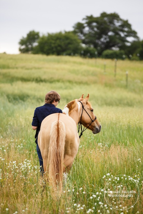 senior-girl-with-horse-10.JPG