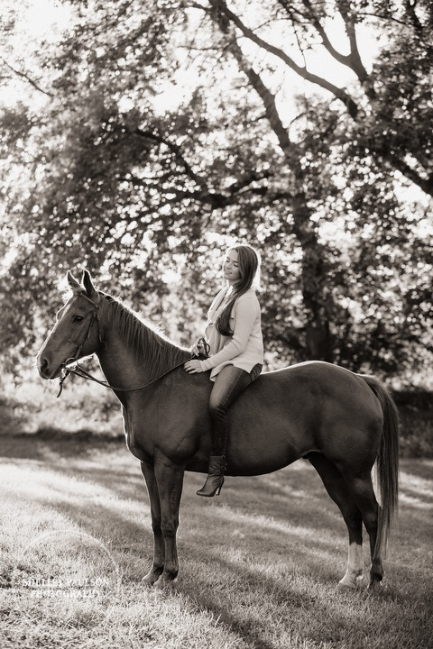 mn-senior-photos-with-horses-08.JPG