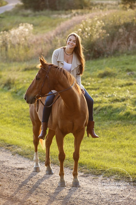 mn-senior-photos-with-horses-09.JPG