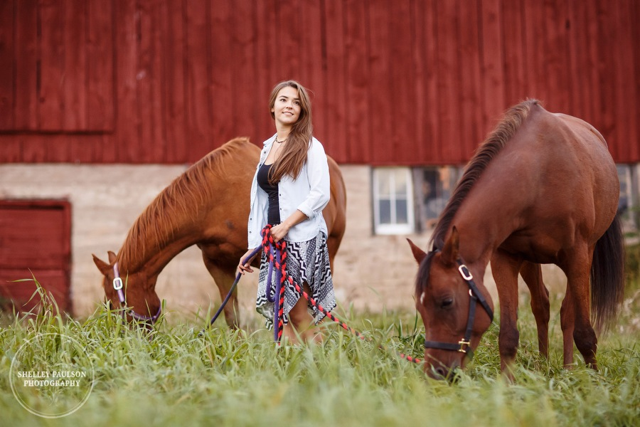 mn-senior-photos-with-horses-15.JPG