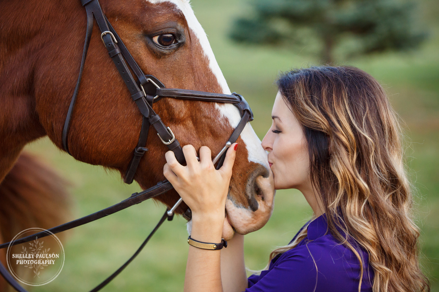 Janelle's Senior Photos with Her Horse Ty