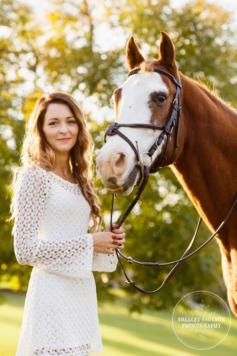 paint-horse-senior-portraits-02.JPG
