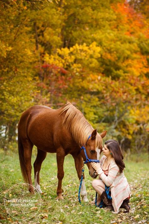 country-senior-photos-horse-03.JPG