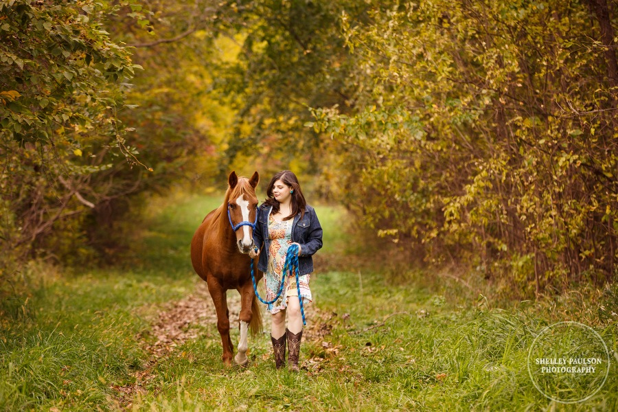 country-senior-photos-horse-05.JPG