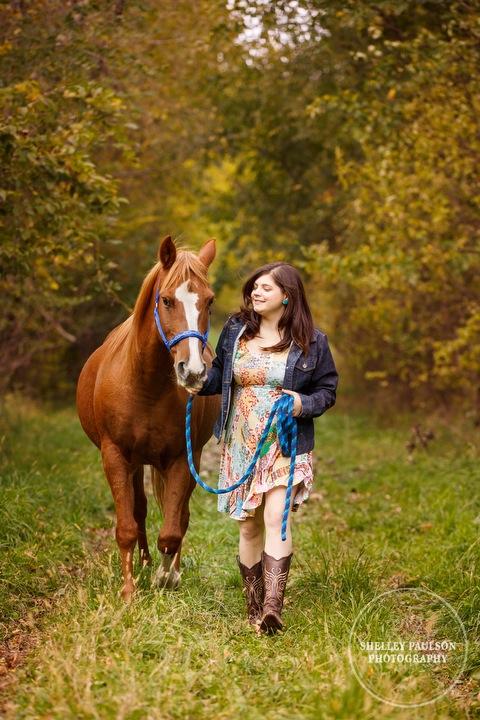 country-senior-photos-horse-06.JPG