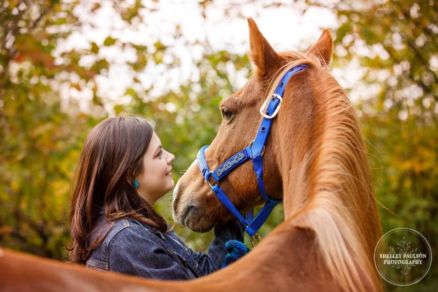 country-senior-photos-horse-07.JPG