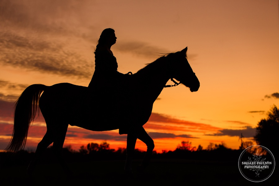 country-senior-photos-horse-11.JPG