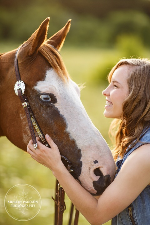 minnesota-senior-with-horse-03.JPG