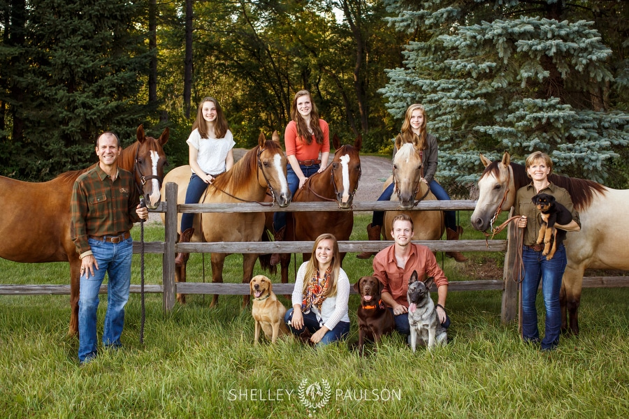 The Mathias Family – Portraits with Horses!