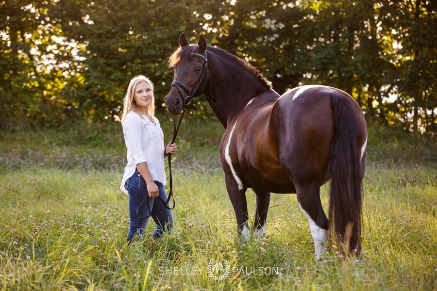 Paradis' Senior Photos with her Horse Scarlett